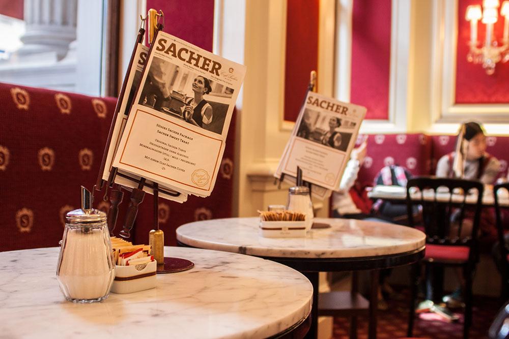 Café Sacher Wien (c) STADTBEKANNT
