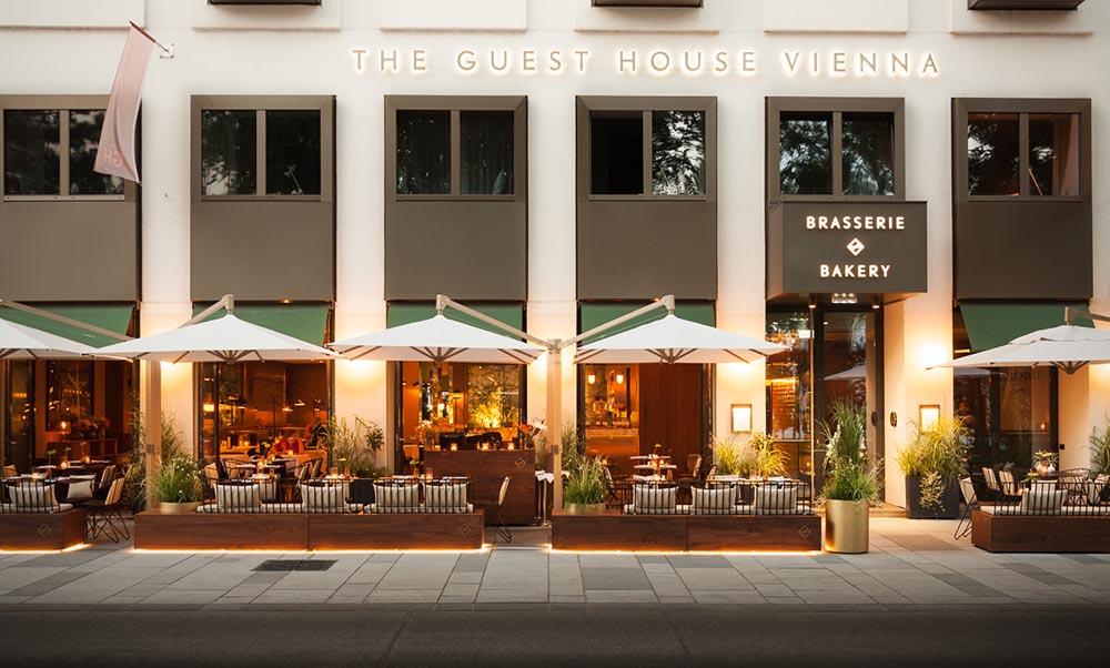 The Guesthouse Vienna - Schanigarten (c) missionINGE
