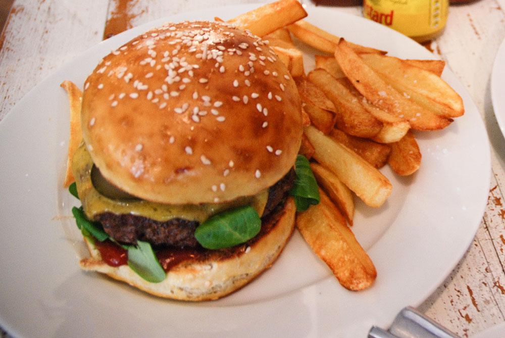 Burger (c) STADTBEKANNT Voggenberger