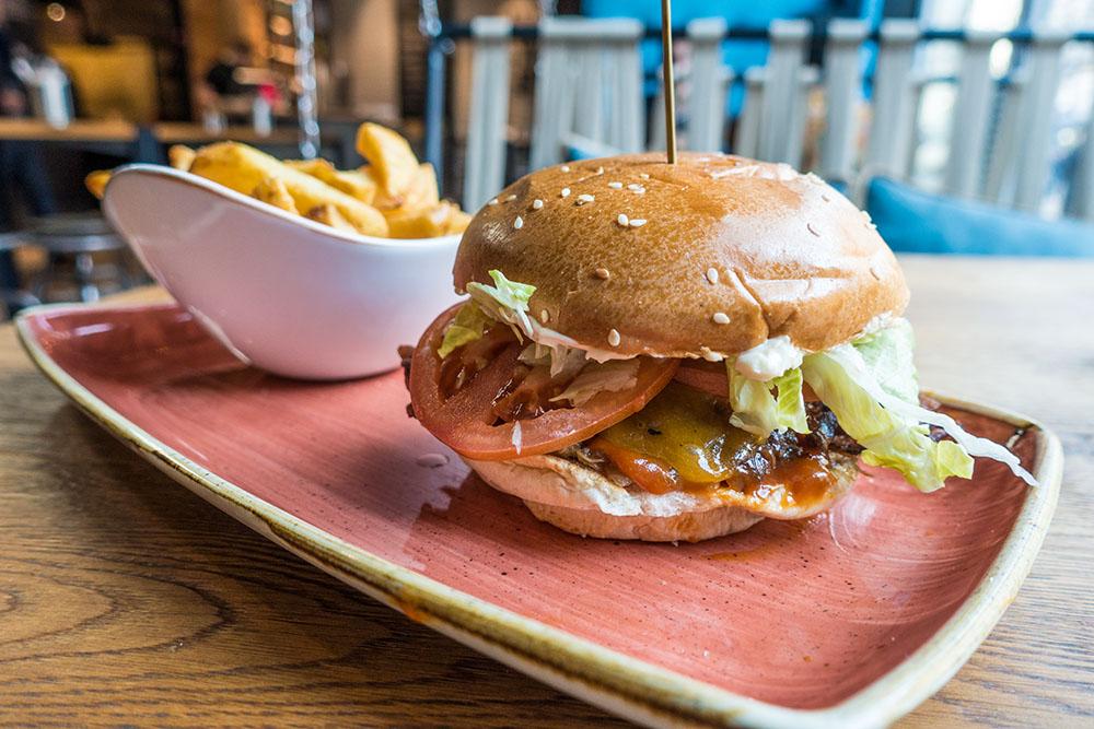 Le Burger (c) STADTBEKANNT