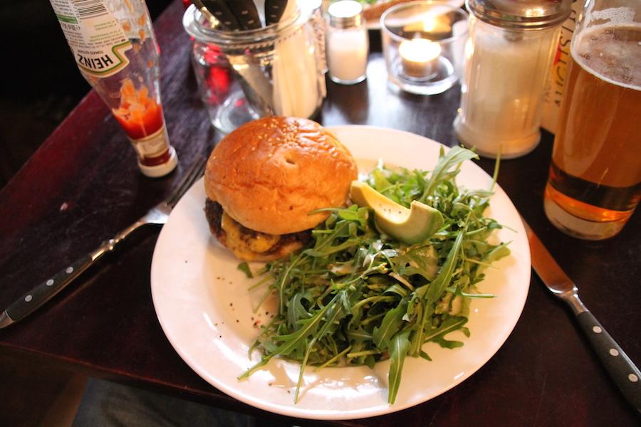 Restaurant Augustin Burger (c) STADTBEKANNT