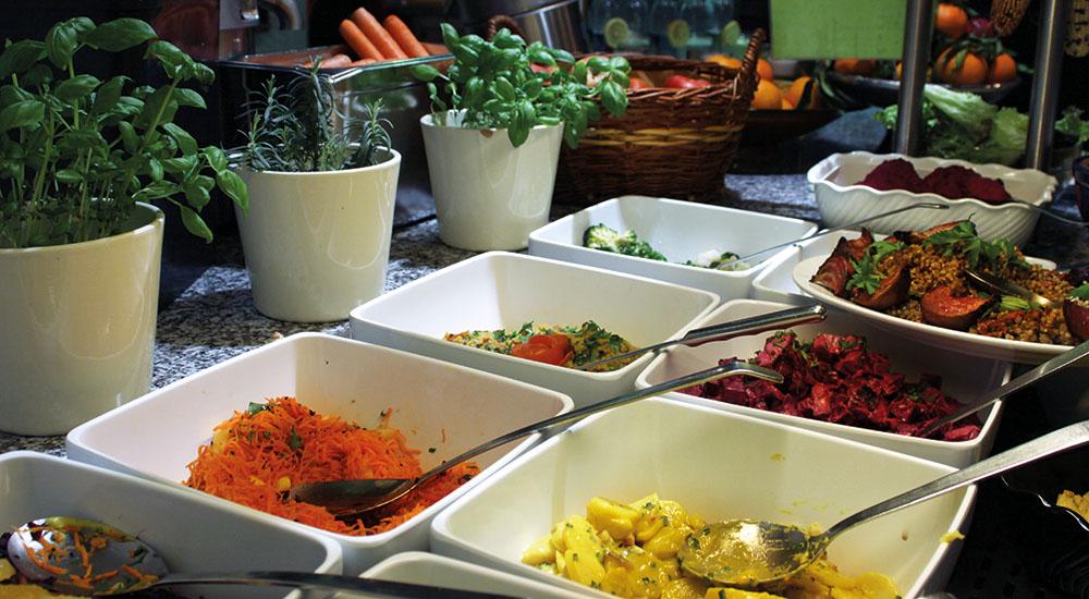 Naturkost St Josef Buffet Salate (c) STADTBEKANNT