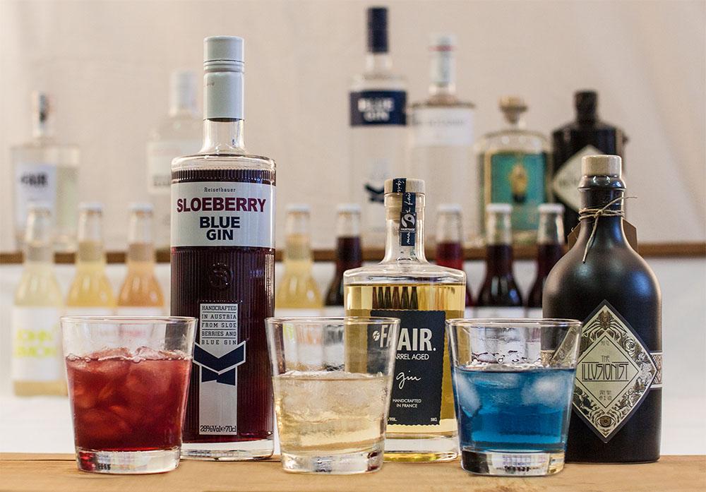Gin Cocktails Gin Sorten Flaschen (c) STADTBEKANNT