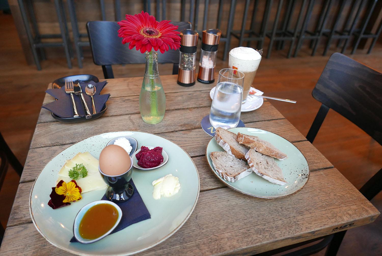 Zweisam Frühstückstisch (c) STADTBEKANNT Wetter-Nohl