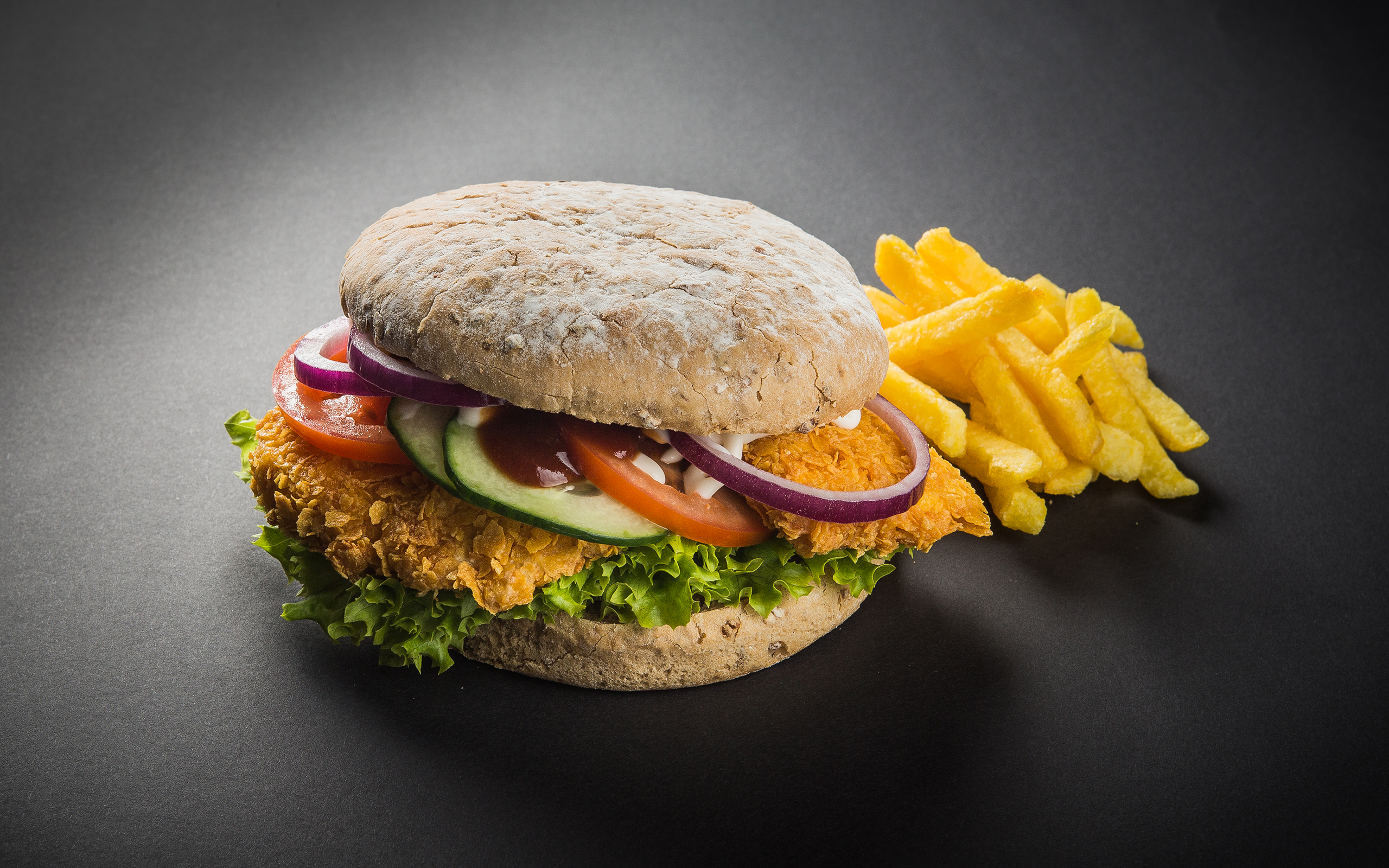 Chicken Burger (c) ROLLERCOASTERRESTAURANT®