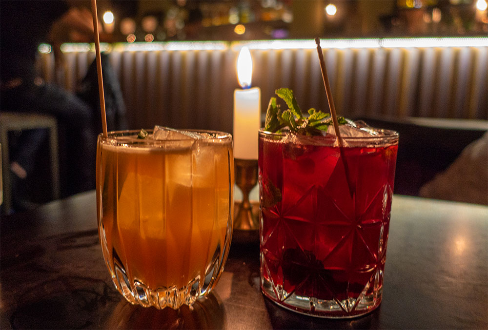 Die Parfümerie Bar Cocktails (c) STADTBEKANNT