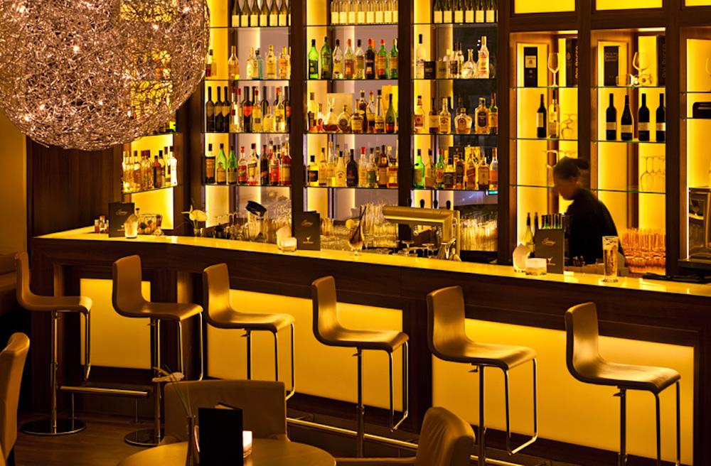 Bar Fleming's Selection (c) Elan Fleisher - elanhotelpix.com