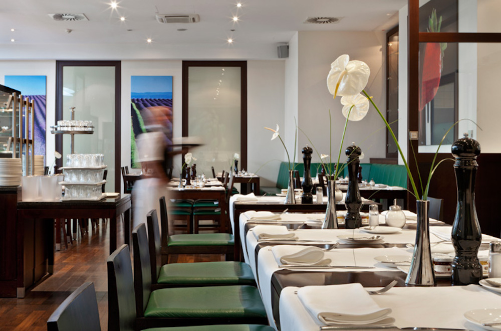 Fleming's Conference Hotel Wien Restaurant (c) Elan Fleisher - elanhotelpix.com