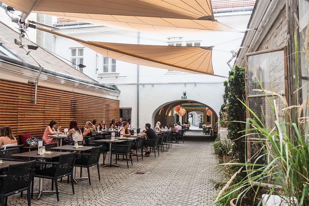 Cafe Latte Schanigarten (c) STADTBEKANNT